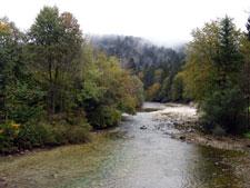 Erdős vidéken folyik a patak